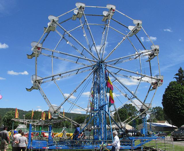 http://americanamusementrentals.com/images/AAR_rides/ferriswheel.jpg